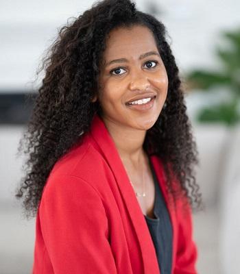 Aishah Newson headshot