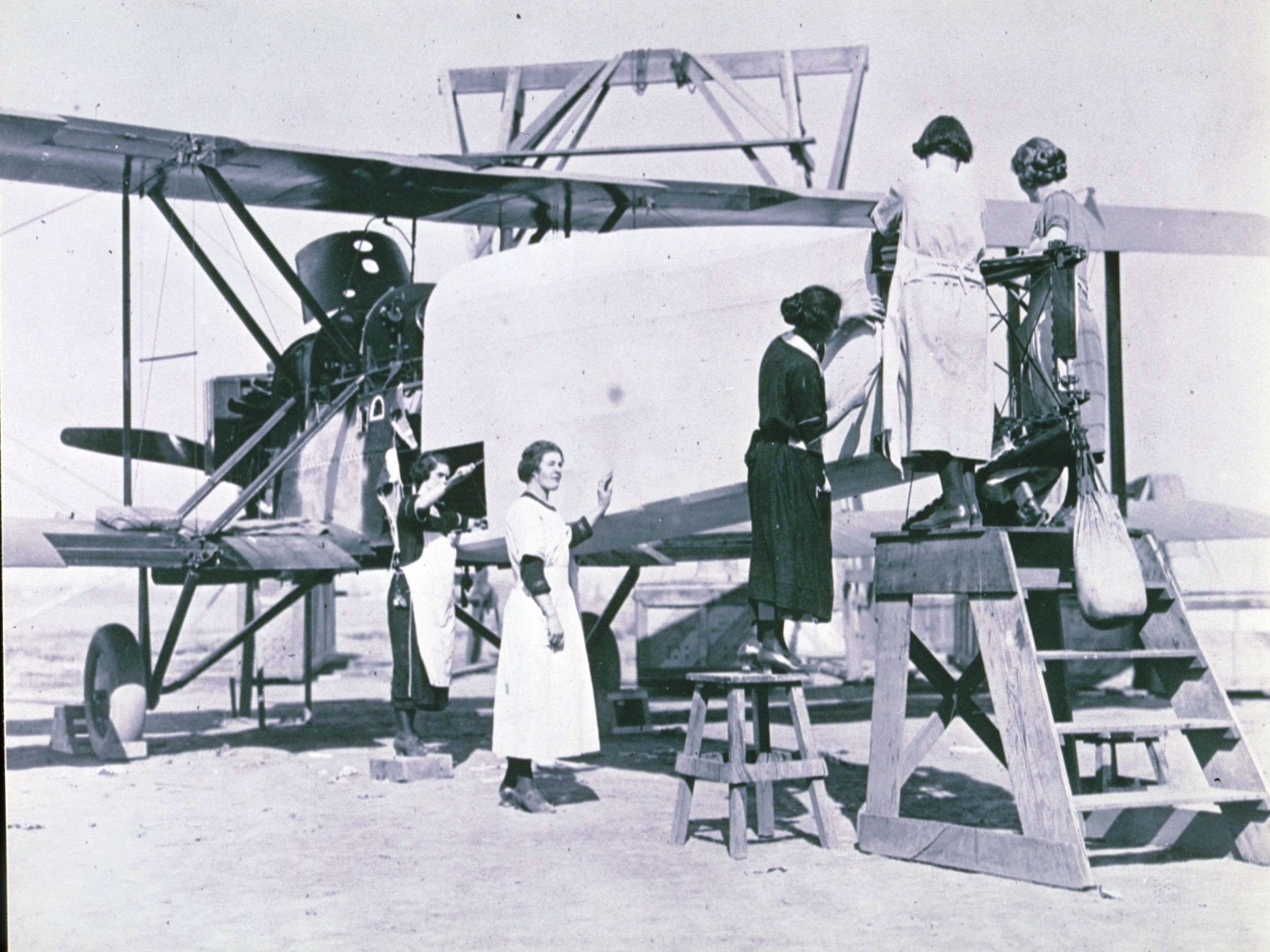 Douglas workers covering a World Cruiser fuselage, in preparation for the first circumnavigation of the world by air, Clover Park, 1924